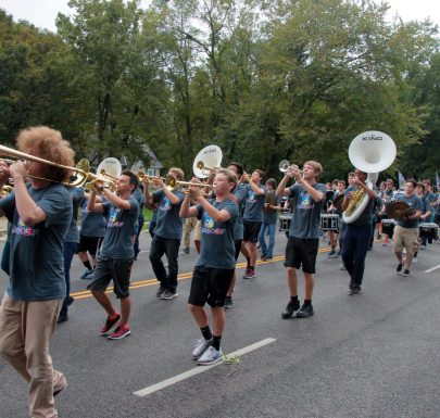 Shawnee Mission West Homecoming Parade